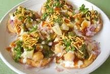 Desi snacks / by Fouzia Jafferi