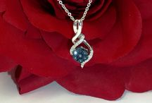 Jewels! / Beautiful Estate Jewelry for sale at Pawn King