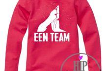 Baby Shirts / Hip Gepimpt kledinglabel. Bij een aantal artikelen kunt u een eigen ontwerp maken met keuzen uit een van de 4 Hip Gepimpt Lettertypes