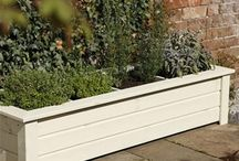 Wooden Planters / Wooden planters are the most natural looking of garden planters and have a variety of styles available.