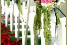 """Düğün Çiçekleri / En güzel düğün çiçekleri ve gelin çiçekleri için derlediğimiz dosyaya bakmadan evlenmeyin! Düğün alışverişleriniz için Türkiyenin ilk evlilik ve altın alışveriş merkezi """"Wedding World Kuyumcukent AVM""""ye bekleriz. www.weddingworld.com.tr http://www.facebook.com/weddingworldavm"""