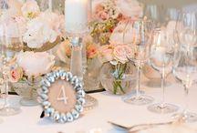 Pudrowo / Dekoracje ślubne stworzone przez rock&flowers dla Wedding Show PowiedzmyTak! Foto: www.pgdstudio.pl | Zapraszamy na www.weddingshowpoiwedzmytak.pl
