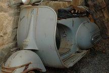Vintage cars & Vespa. ..