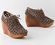 Zapatos / by Josefina Ruiz-Tagle