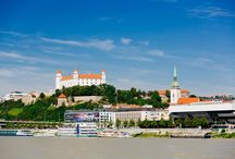 Day Tour from Vienna to Bratislava / Only an hour away from Vienna lies Bratislava, the capital of Slovakia which has a lovely historical city centre.