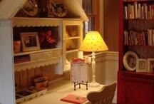 Desk ideas for Molly / by Kristyn Hubbard