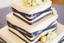 Wedding Cakes / by Melissa Hudson
