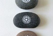 Dekorerte steiner