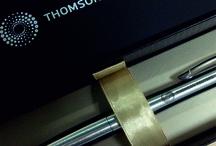 Сувенирная продукция для компании Thompson Reuters / Про наших давних клиентов информационное агентство Thomson Reuters мы любим упоминать часто. На фотографии ручки Parker c гравировкой и шубер из дизайнерской бумаги с логотипом, которые мы изготовили для компании Thomson Reuters.  #vipsuvenirkacom #suvenirka #suvenirka_msc  #suvenirka_logo #випсувенирка #сувенирка #сувениркавмоскве #сувениркаслого #екатериназнаменская #thompsonreuters  Заказать сувенирку можно здесь www.vip-suvenirka.com