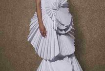 paper dress / by Nathalie Gautier