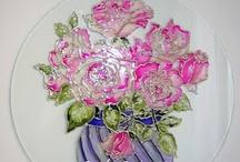 Mia pittura su vetro / quadri e oggetti dipinti a mano da me; dipingo anche su richiesta: porte, oggetti, finestre, rosoni,e regali vari. http://realifantasiecolorate.blogspot.com/