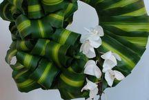 Mooring flowers / Seppeleitä, hautavihkoja, surukimppuja.