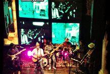 Conciertos / Fotos de conciertos, escenarios, músicos y demás arandelas de un show en vivo.