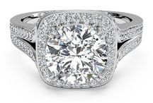 Halo Rings / Diamond Halo Engagement rings For Women.