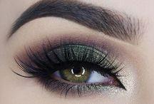 Morenas ojos verdes