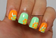 !Nails-Dots, Flowers, Stripes / by Diane Vigna
