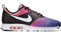 NIKE AIR MAX TAVAS SD BLACK WHITE PINK POW YELLOW 724765 005 10 us MENS RUNNING