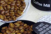 Wienslev kaffe / Passion i hver eneste bønne. I Wienslev kaffe er kaffebønner nøje udvalgt fra rundt om i verden, håndsorteret, ristet og håndpakket i smukke dåser, der er kaffebønnerne værdige.   Wienslev Gourmét kaffebønner er noget af verdens fineste kaffe,  befinder sig i verdens kaffe elite. Så det er udsøgte varer du her har med at gøre. Wienslev Gourmét kaffebønner starter ved 80 point . House of Bæk & Kvist er den første Art in Livng shop, som forhandler Wienslev Kaffe