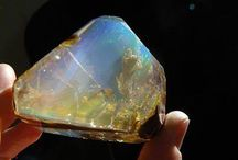 Stones / I've always loved stones: relfection, color, meaning, shape...