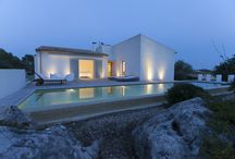 Modern Houses in Mallorca / Simplicity, beauty, harmony... A lot of words could describe this tipe of villas, but we rather prefer you to check it out for yourself.