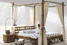 CAMAS CON DOSEL / Ideas para amueblar y decorar los dormitorios con Camas Dosel.