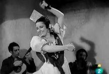 Castañuelas - Folklore - Tradiciones / El folklore y las tradiciones son riqueza. La danza que se acompaña con castañuelas es nuestra devoción. Imágenes artísticas que reflejan la esencia artística. Tócalas! en castanuelas.com