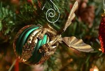 Dragons Protecting Baubles
