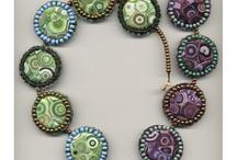 Bijoux en céramique et céramique en bijou