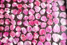 płatki róży w cukrze