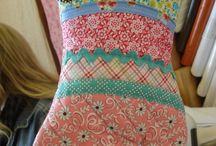 Aprons, Mitts & Pot Holders / by Cheryl Fogg