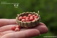 Hummingbird Miniatures: fruit and veg / Minim
