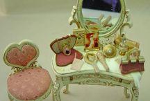 Dollhouse-Miniature-Dressing table