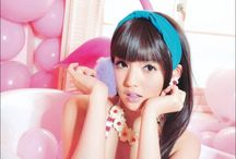 PORTRAIT / Balloon pop singers.