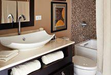 """Łazienka/ Bathroom / Łazienka to przedziwne miejsce - z jednej strony w niej """"pierzemy brudy"""", z drugiej - korzystamy z aromatycznych kąpieli. Co by nie powiedzieć - bez niej ani rusz!"""