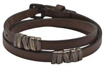 Love those bracelets / bracelets