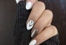 Nails and maaaaakeup.
