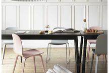 Design Hanglampen / Met verlichting creëer je een bepaalde sfeer in huis. Je eettafel of zithoek kun je mooi verlichten met een hanglamp. Een design hanglamp gevonden die perfect in je interieur past? Kijk in de beschrijving en wij linken je door!