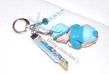 Porte clé baby personnalisable / Joli porte clé composé d'un bébé fait main en fimo, de ruban assortis et d'une breloque prénom   https://www.facebook.com/media/set/?set=a.1695738684035966.1073741834.1691938541082647&type=3