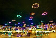 Holidays / Magiczna atmosfera, klimatyczne jarmarki, zapach tradycyjnych potraw. Poczuj świąteczny nastrój w najpiękniejszych zakątkach świata!