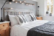 Guirlande lumineuse au dessus du lit