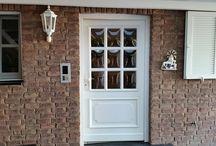 Holzpflege / Holzbauteile wie Balkone, Fenster, Türen, Dachuntersichten bleiben mit der richtigen Pflege viele Jahre einfach wunderschön.  http://www.borsch-info.de/