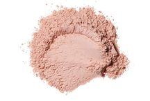 LN4 Loose Powder / Featuring Haute Collection Loose Powder Foundation. Shade LN4.