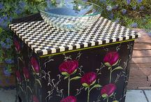 Painted Furniture / by Linda Hickey