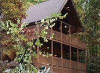 WEARS VALLEY CABIN RENTAL / LOG CABINS IN WEARS VALLEY, TENNESSEE. PRIVATE OWNED AND OPERATED. LOCATED IN MOUNTAIN RANGE OF THE GREAT SMOKY MOUNTAINS.