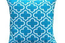Cojines Bordados / Fundas de cojín de punto, bordadas, con estampados originales, en gran variedad de colores.