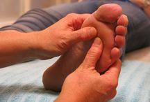 Fötterna är  rötterna - Barfota är bäst / Barfotafötter är naturligt och bäst.