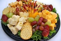 crackers cheese coldcuts platter