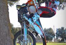 dirt bikes / by Johnny Nolan