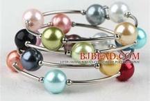 bracelet / by Lajodette Atkin
