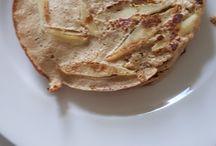haver pannenkoeken gluten lactose suiker vrij / 100 gr.        haver gemalen 3 eetlepels  zelfgemaakte       appelmoes zonder suiker                  2 a 3 eieren Kaneel Evt 1 appel    Mix de haver en appelmoes Kaneel  En doe de eieren er 1 voor 1 bij mengen Tot een mooi glad deeg  dat net zo is als bij gewone pannenkoeken   Olie boter in de pan en bakken maar